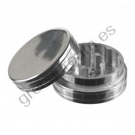 Grinder mediano y plateado fabricado en aluminio