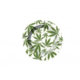 Cenicero de metal con hojas de cannabis