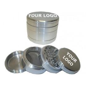 Grinder plateado de aluminio con 55 milímetros de diámetro